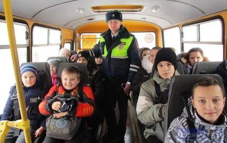 Сотрудники ГИБДД Киржачского районп проверили перевозку детей в школьных автобусах